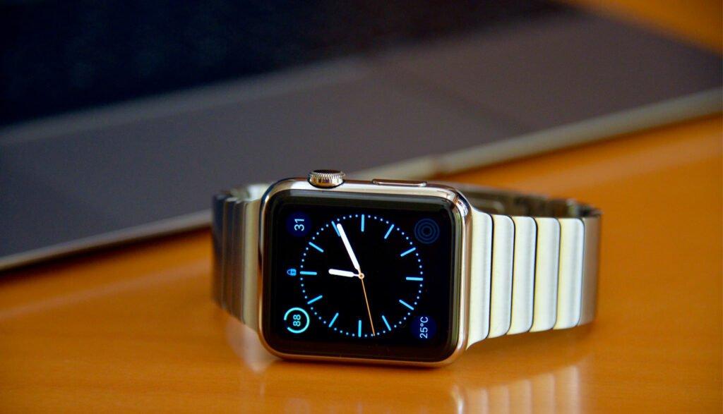 Apple Watch vid Macbook