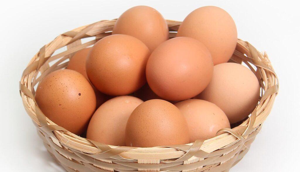 Korg med ägg
