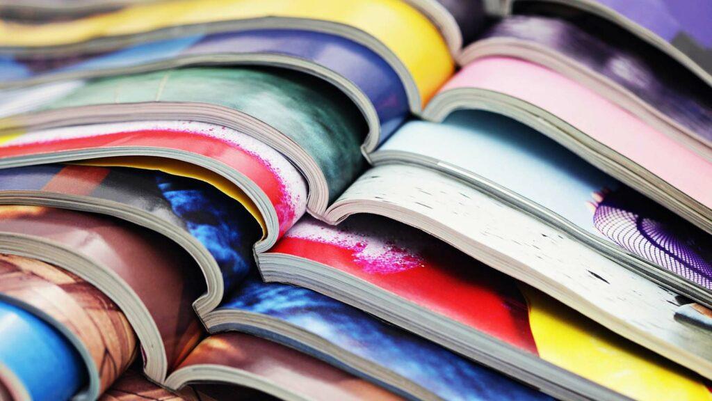 Färgglada magasin