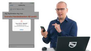 Karl Emil Nikka loggar in med Mobilt Bank-ID