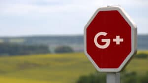 Stoppskylt med Google Plus-logotyp