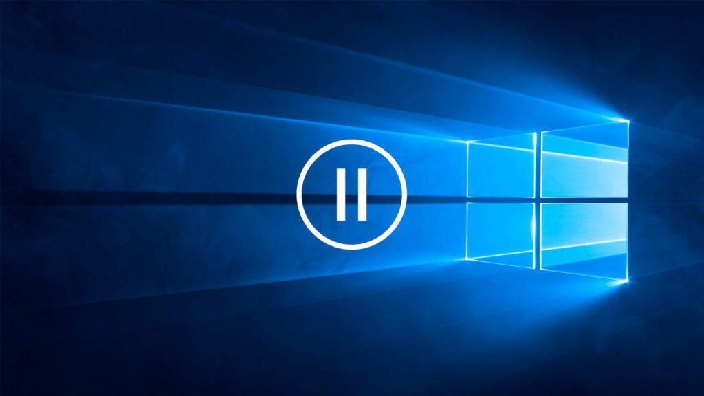 Windows 10-bakgrunden med paus-symbol