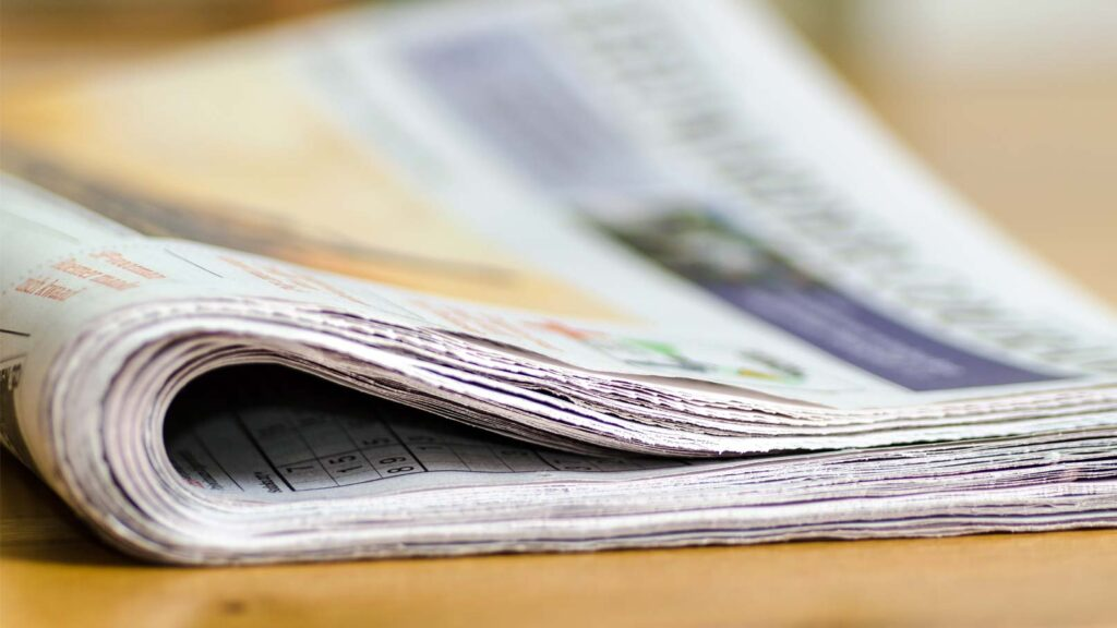 Tidning på bord