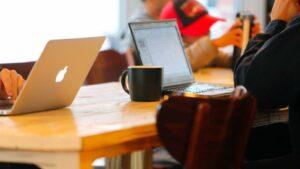 Datorer på publikt kafénätverk