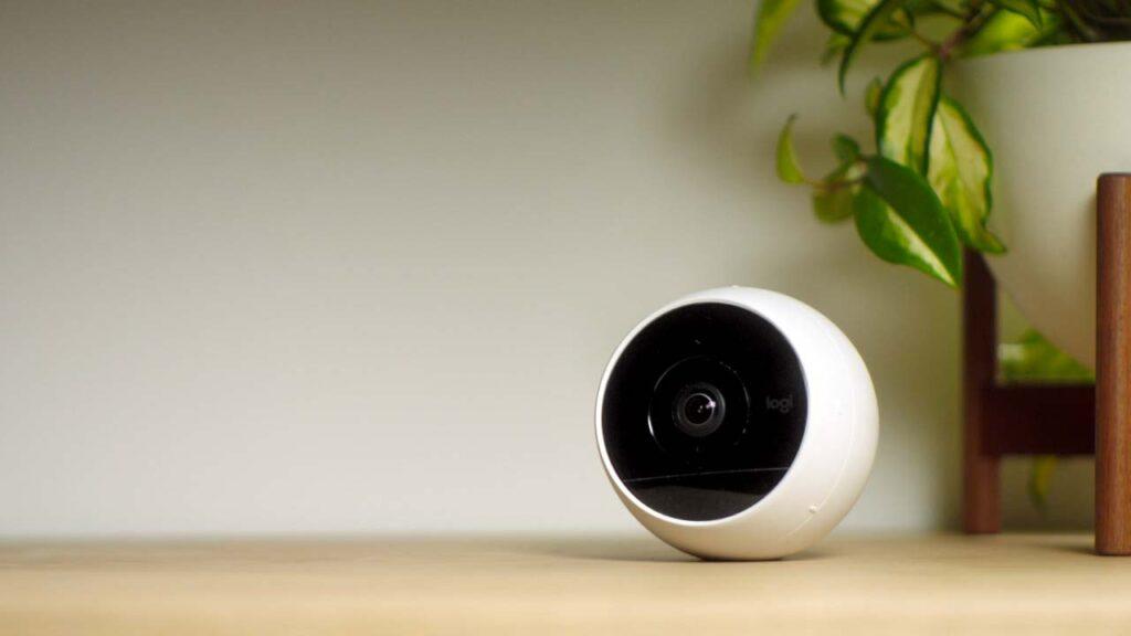 Logitech Circle 2-kamera på bord