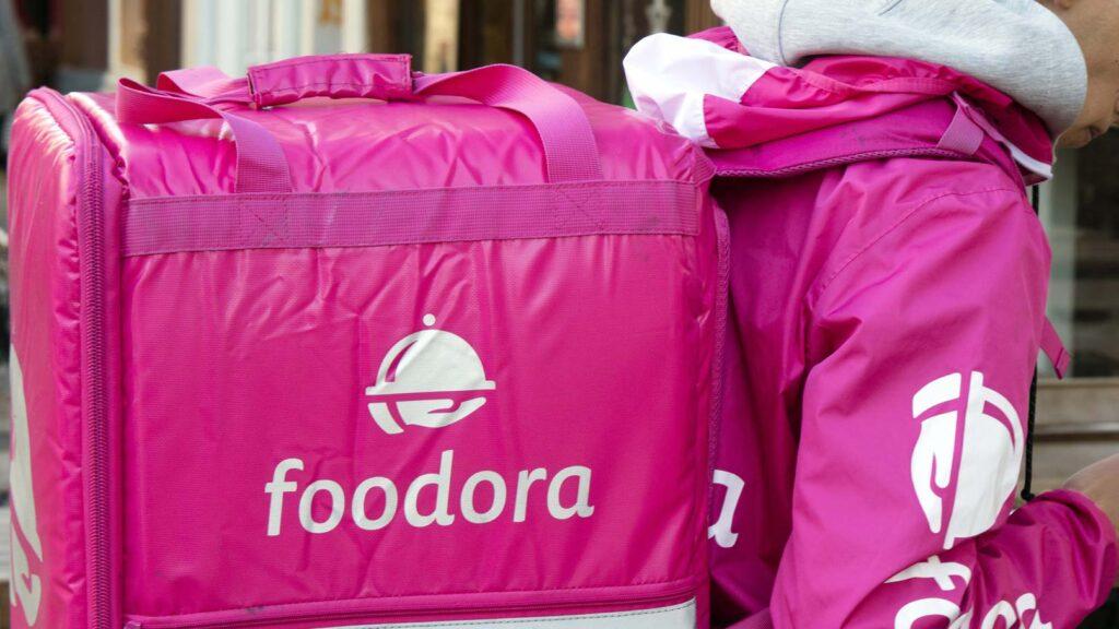 Foodora-kurir med väska