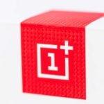 Oneplus-logotyp på mobilförpackning