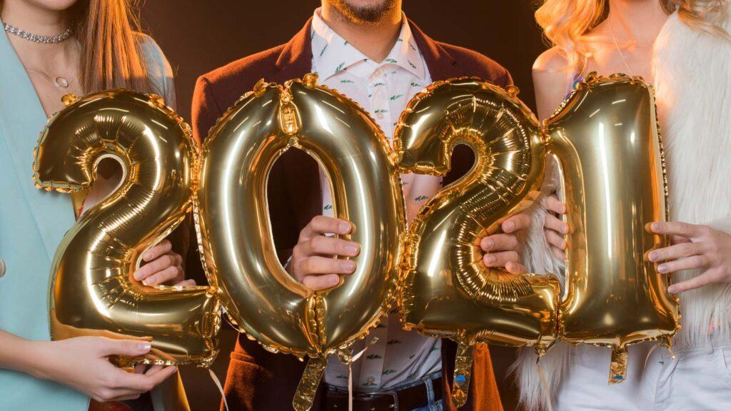 Ballonger formade som numret 2021.