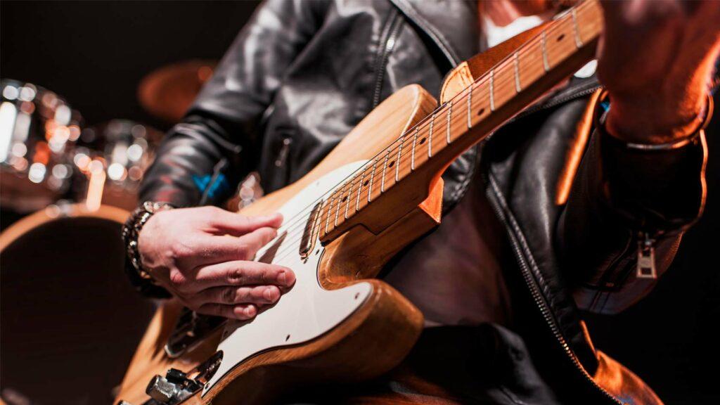 Rockgitarrist på scen