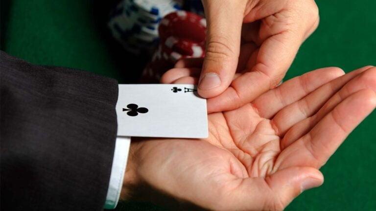 Pokerspelare som fulspelar.